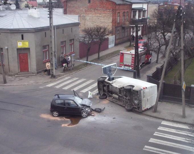Man Killed, Woman Hurt In Car Accident In Beloit   Car